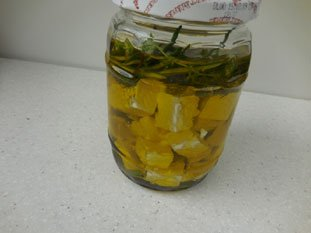 Feta à l'huile d'olive aux herbes : Photo de l'étape 11