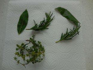 Feta à l'huile d'olive aux herbes : Photo de l'étape 3