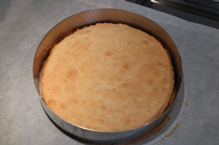 Almond macaroon cake : Photo of step #9