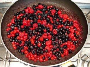 Poêlée de petits fruits au sabayon gratiné : Photo de l'étape 3