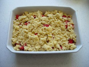 Crumble fraise-rhubarbe : Photo de l'étape 4