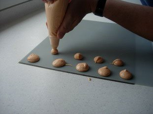 Macarons (the original French macaroons)  : Photo of step #11