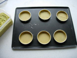 Tartelette pistache-griottines : Photo de l'étape 1