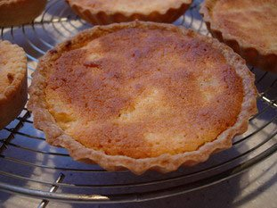Apple amandine tarts from Br�l�s