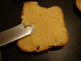 Tranches de brioche à la crème d'amandes : Photo de l'étape 4