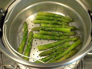 Omelette aux asperges vertes : Photo de l'étape 1