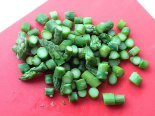Omelette aux asperges vertes : Photo de l'étape 2