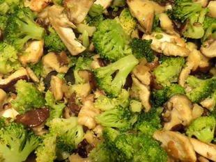 Emincé de poulet champignons-brocolis : Photo de l'étape 11