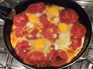 Oeufs aux tomates : Photo de l'étape 8