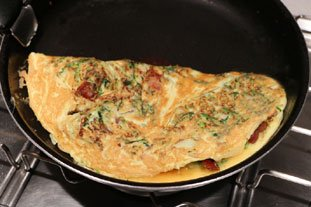 Bacon and cabbage omelette : Photo of step #6