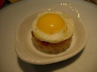 Quail egg canap s for Quail egg canape