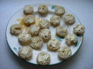 Oeufs de caille en canapés : Photo de l'étape 2