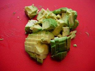 Salade mélangée concombre et saumon : Photo de l'étape 3
