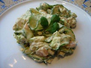 Salade mélangée concombre et saumon : Photo de l'étape 6