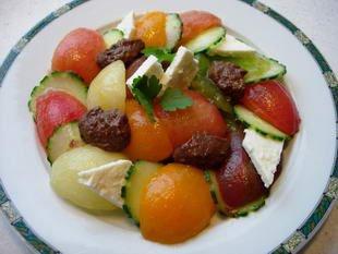 Salade concombres-tomates muticolores : Photo de l'étape 8