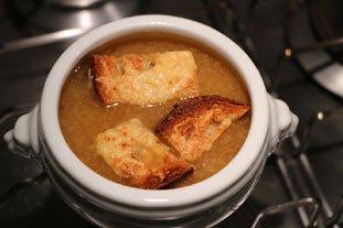 Soupe à l'oignon gratinée : Photo de l'étape 14