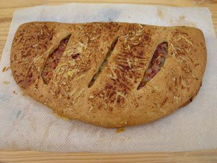 Fougasse with bacon and Comté : Photo of step #13