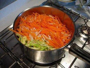 Pétales de poisson, julienne de légumes et beurre blanc : Photo de l'étape 9