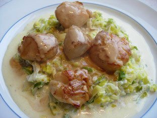 Scallops with fondue of leeks