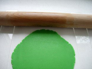 How to make marzipan decorations : Photo of step #4