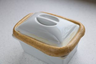 How to seal a terrine or casserole dish : Photo of step #9