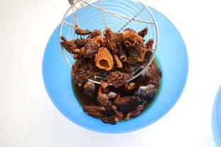 How to rehydrate dried mushrooms : Photo of step #3
