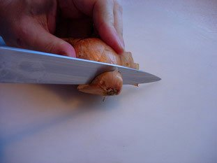 Comment préparer un oignon ou une échalote : Photo de l'étape 2