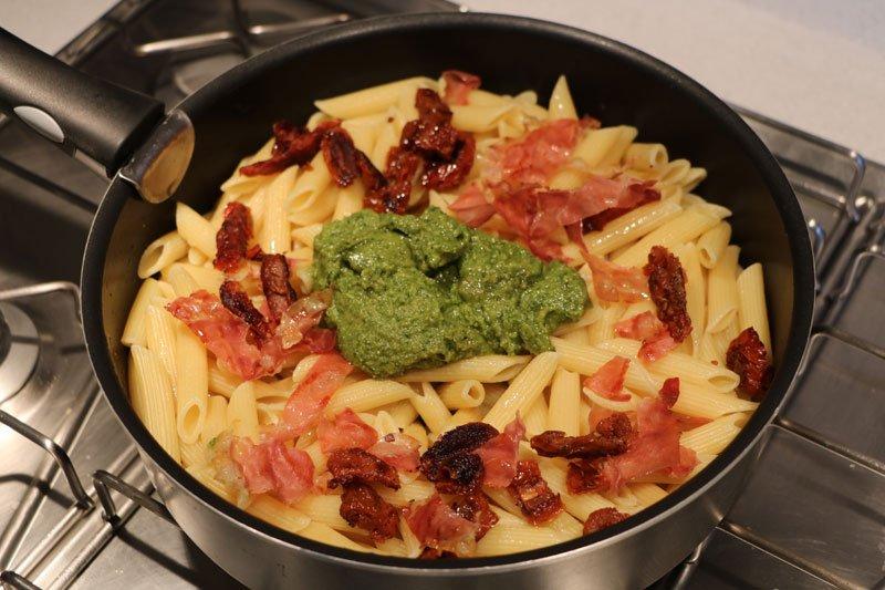 Cuisine p tes au pesto et tomates confites for Cuisine 3d facile