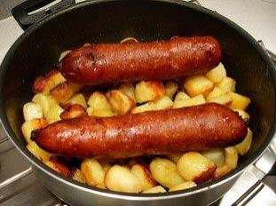 Faut-il piquer une saucisse avant cuisson ?