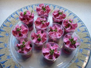 Mousse de betteraves crues aux noix