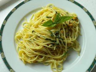 Spaghettis aux moules et basilic
