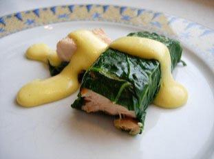 Saumon roulé aux feuilles de bettes